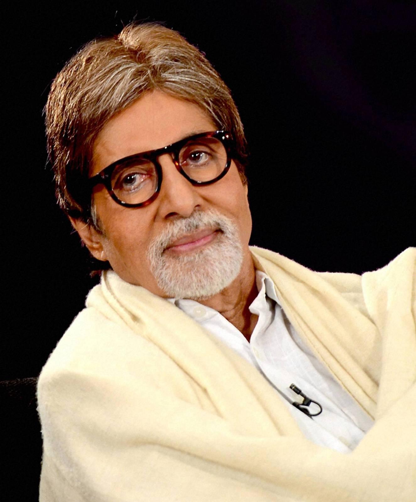 George Clooney as Yashvardhan Raichand - amitabh-bachan-photo